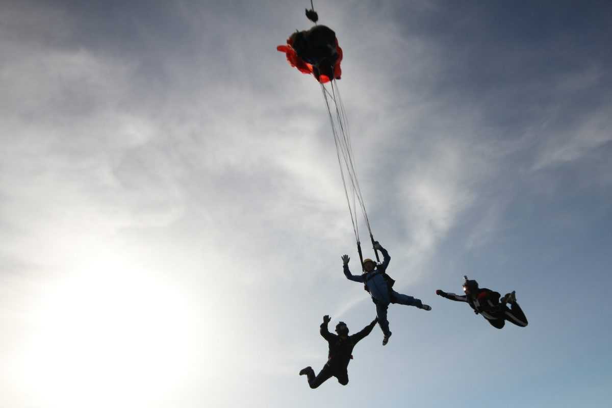 Watch How to Become a Skydiver video